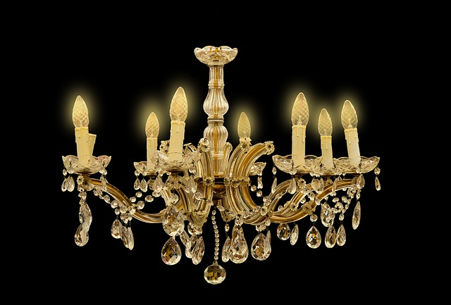 chandelier-2523099_640